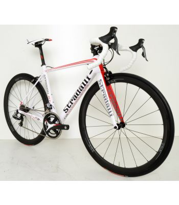 R7 White Pro Full Carbon Road Bike. Shimano Dura Ace 9070 Di2 11 Speed. FSA K-Force. 40mm x 27mm Wide Full Carbon Clincher Wheelset.