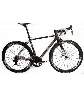 Stradalli R7 Stars Full Carbon Road Bike. Shimano Ultegra Di2 6870 11 Speed. Stradalli 50mm Carbon Clincher White Graphic Wheel Set.