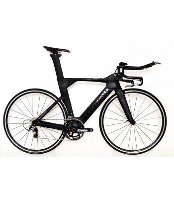 Stradalli Black TT Full Carbon Time Trial Triathlon TTR-8 Bike. Shimano Ultegra 8000 11 Speed. Vision T25 Alloy Wheelset.
