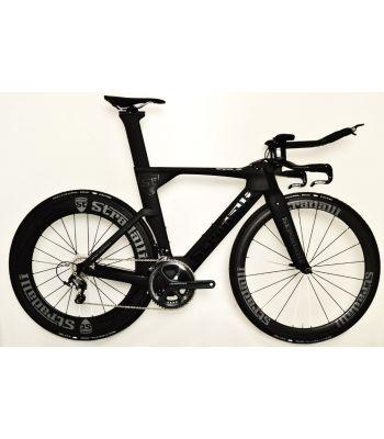 Stradalli Black TT Full Carbon Time Trial Triathlon TTR-8 Bike. Shimano Ultegra 8000 11 Speed. Stradalli 50/85mm Aero Carbon Clincher Wheelset.