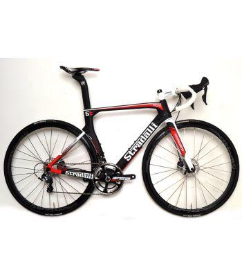 Stradalli Carbon RD17 Hydraulic Disc Brake Bicycle. Shimano Ultegra 8000 11 Speed. Vision Team 30 Wheelset.