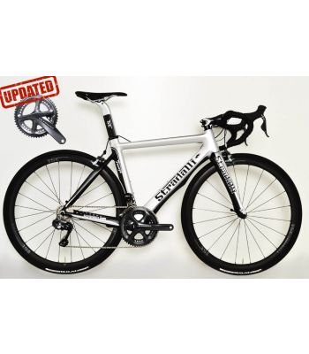 Stradalli Faenza Silver / Black Full Carbon Aero Road Bike. Shimano Ultegra Di2 8050 11 Speed. Stradalli Full Carbon Clincher 50mm x 27mm Wide Wheelset.