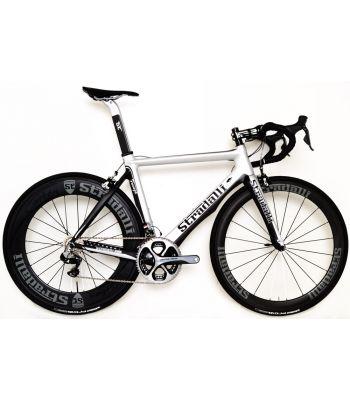 Stradalli Faenza Silver / Black Full Carbon Aero Road Bike. Shimano Dura Ace 9070 11 Speed. Stradalli Full Carbon Clincher 85mm x 50mm Wheel Set.