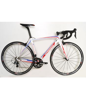 Stradalli Carbon Pro Sport Road Bike. Shimano Ultegra 8000 11 Speed. Vision Team 25 Aluminum Clincher Wheel Set.